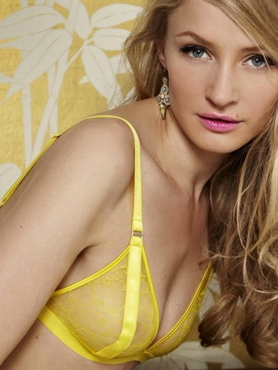 fleur_lemon_cello_boudoir_Bra_model