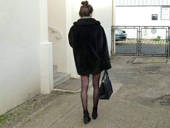 6ec043eaa4a8bb Look ] Skater skirt & Slave shirt | Le petit blog de Lucie